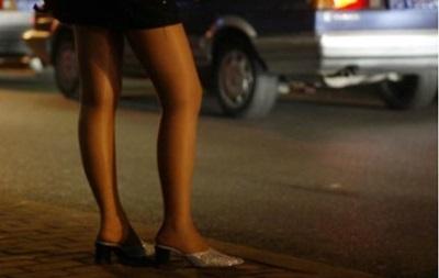 В Харькове милиционер и проститутка шантажировали водителей