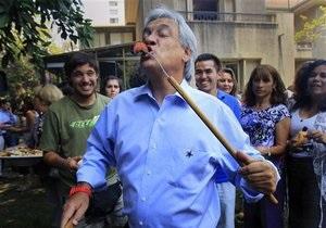 Второй тур президентских выборов начался в Чили