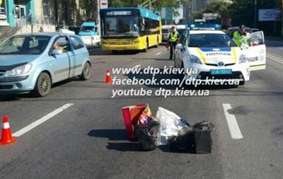 В Киеве мотоциклист насмерть сбил пешехода
