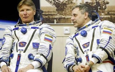 Космонавты почистят иллюминаторы МКС в открытом космосе