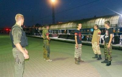 В Харькове Правый сектор патрулировал вокзал вместо милиции