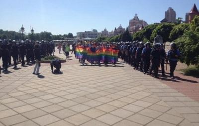 Бить не будем. Правый сектор не даст провести гей-парад в Одессе