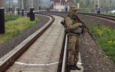 Сутки в АТО: из-за обстрелов остановлено железнодорожное сообщение