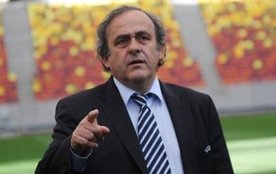 Скандал в FIFA не повлияет на проведение ЧМ-2018 в России - Платини