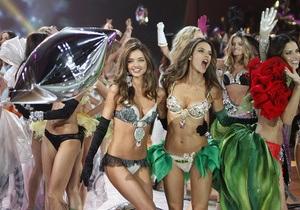 Фотогалерея: Ангелы в цвету. В Нью-Йорке прошло знаменитое шоу Victoria s Secret