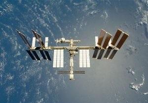 Трое космонавтов МКС не смогли улететь на Землю