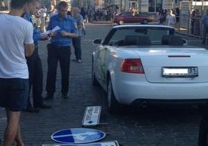 новости Харькова - ДТП - пробка - В Харькове образовалась пробка из-за упавших на кабриолет проводов и дорожных знаков