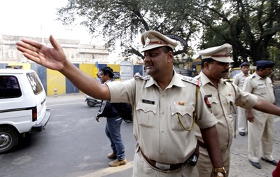 Полиция в Индии почти сутки пересчитывала конфискованную взятку