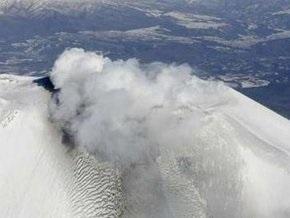 В Японии началось извержение вулкана Асама: Токио засыпало пеплом