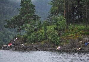 Стрельба на острове Утойя в Норвегии продолжалась около часа