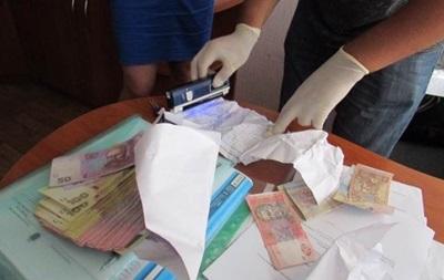 Задержан чиновник НАН Украины, требовавший 100 тысяч гривен взятки