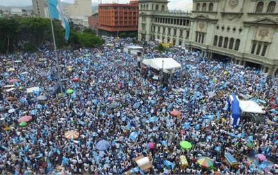 В Гватемале снова проходит акция протеста с требованием отставки президента