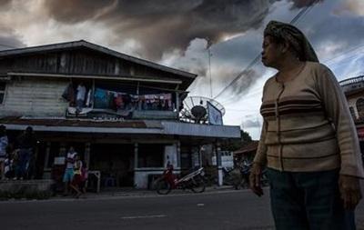 В Индонезии закрыли международный аэропорт из-за извержения вулкана