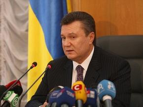 Янукович о кризисе: Нам не поможет ни Запад, ни Восток