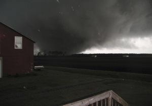 На США обрушились два десятка торнадо