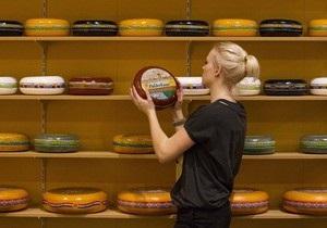 Украинские власти заявляют, что сыр, от которого отказывается Россия, будет продан в Европе