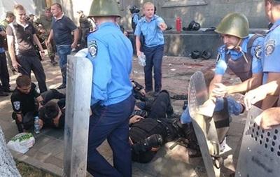 Бросивший гранату под Радой задержан - милиция