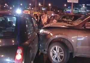 На Гаванском мосту в Киеве произошло ДТП с участием девяти автомобилей