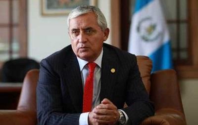 Экс-президента Гватемалы заключили под стражу
