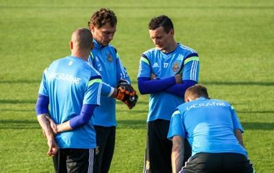 Футболисты сборной пригласили на матч с Беларусью воинов АТО