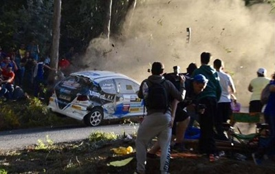В Испании на ралли машина врезалась в зрителей: погибли шесть человек