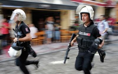 Подрыв автобуса в Турции: погибли 11 полицейских