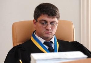 Суд дал Тимошенко три дня на поиски нового адвоката