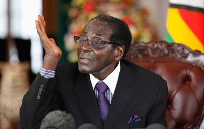 Президент Зимбабве прочитал не ту речь на открытии парламента
