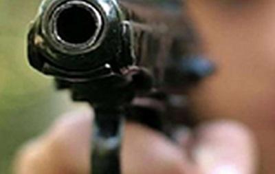 Во Львове неизвестные обстреляли автомобиль