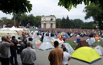 Протестующие в Молдове больше не требуют отставки президента
