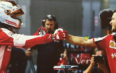 Формула-1: Феттель приносит победу Феррари на Гран-при Сингапура