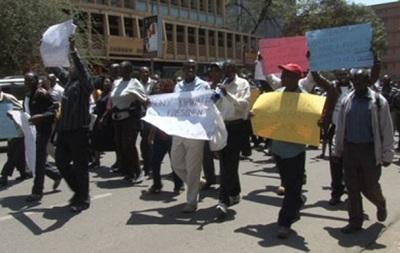 В Кении из-за забастовки учителей объявили трехнедельные каникулы