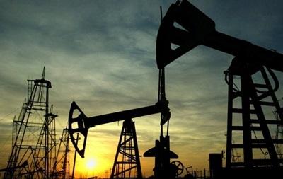 Цены на нефть снижаются из-за опасений переизбытка предложений