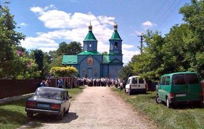 На Тернопільщині сталася масова бійка за храм