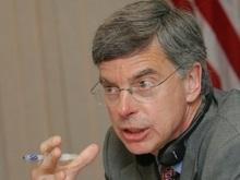Американский посол раскритиковал действия украинской милиции
