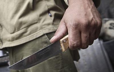 В Киеве неизвестные зарезали мужчину у собственного дома