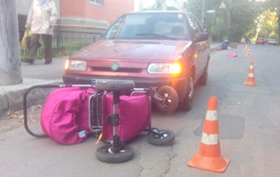 В Виннице женщина-водитель сбила двух мам с младенцами