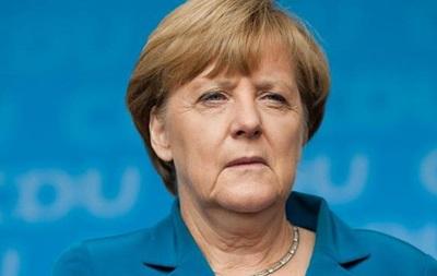 Меркель: Германия не будет менять конституцию из-за мигрантов