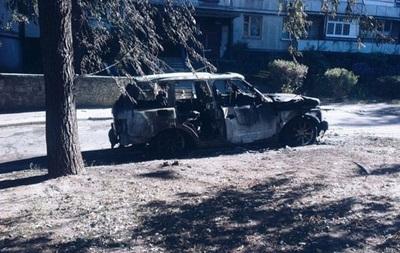 В Харькове ночью сгорел элитный внедорожник