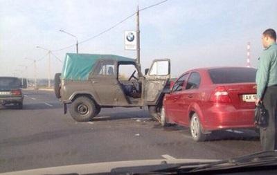В Харькове произошло ДТП с участием военных