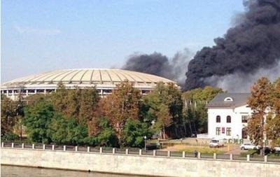 Горят Лужники: В Москве загорелся главный стадион ЧМ-2018