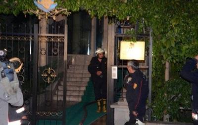 В Турции загорелось посольство Украины