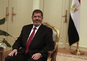 Тысячи исламистов вышли на улицы Каира, чтобы поддержать Мурси