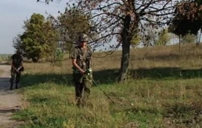 Журналисты показали, как работают саперы ВСУ на Донбассе