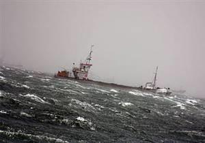 Поиски пропавших без вести в Черном море шести украинцев и россиянина пока безуспешны