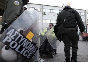 Греческая полиция проводит спецоперацию против бастующих в афинском метро