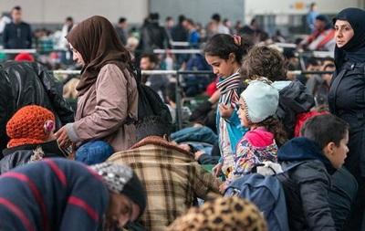 Берлин и Брюссель планируют ввести налог в пользу беженцев - СМИ