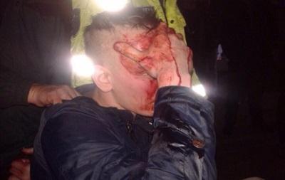 Пьяные российские фанаты напали на протестующих в Молдове