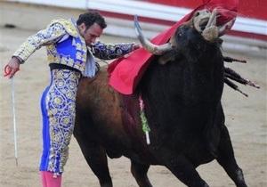 Еще три человека пострадали во время забега быков в Испании