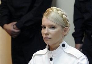 Тимошенко отвергает все обвинения, называя их абсурдными: Это надо уже в цирке показывать